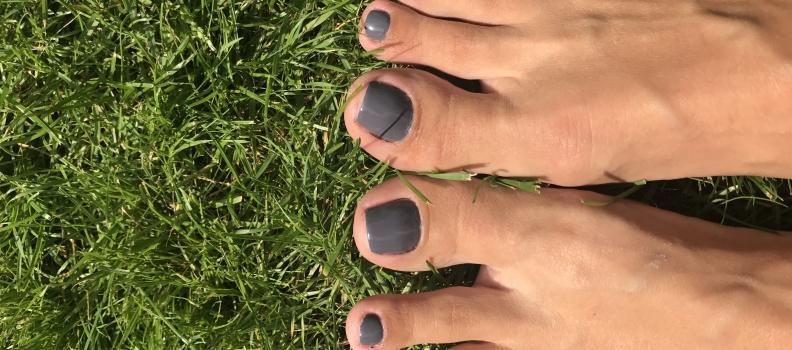 Pedicure klasyczny – zadbaj o swoje stopy.